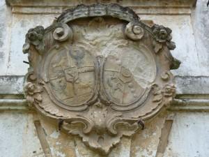 Grb nad vrati gradu Turn
